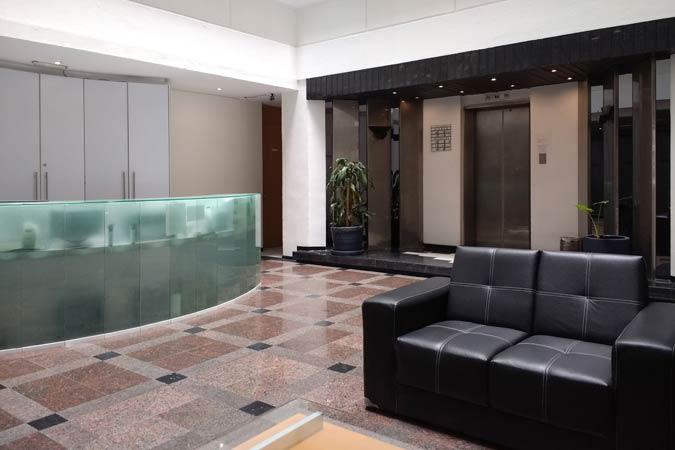Suites Capri Polanco Atrium Lobby