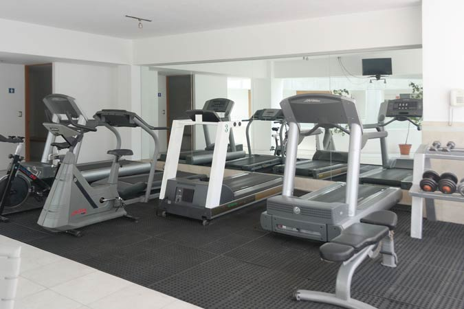 Suites Capri Sevilla Fitness Center Gym